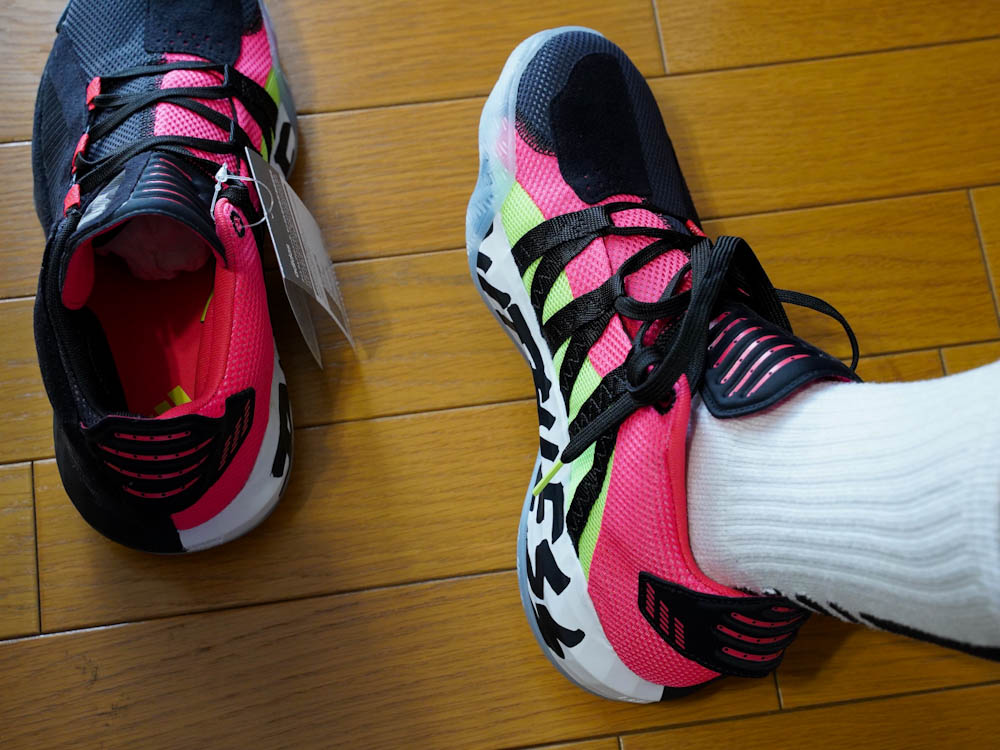 adidas-dame-6-ruthless-right-foot